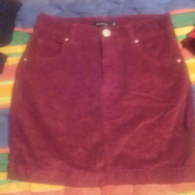 Brand new Glassons maroon denim skirt