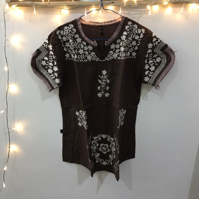 BROWN MOTIF BLOUSE