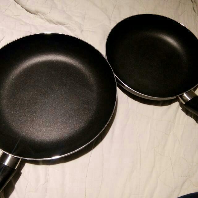 Cooking Pan Pot / Pans / Frying Pan / Cook Ware for sale!