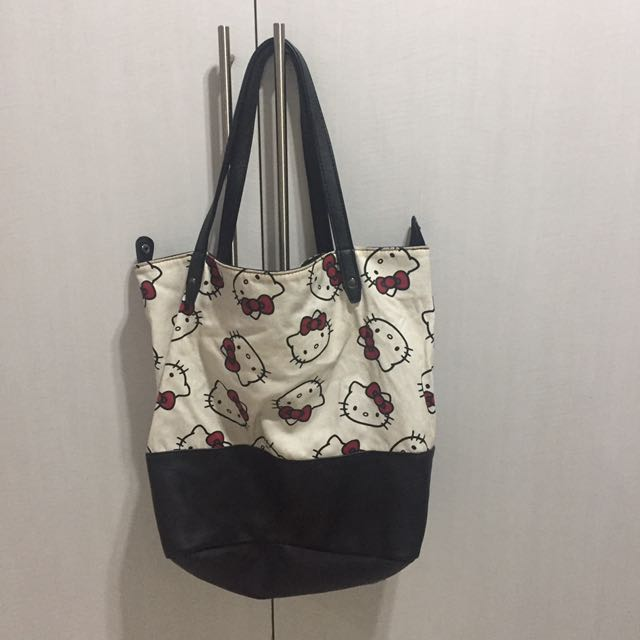 Cotton On Hello Kitty Shoulder Bag