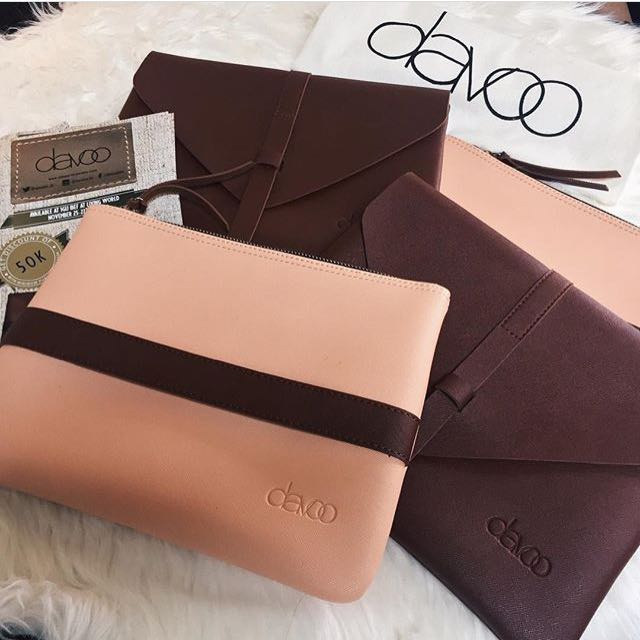Davoo Faux Leather Clutch