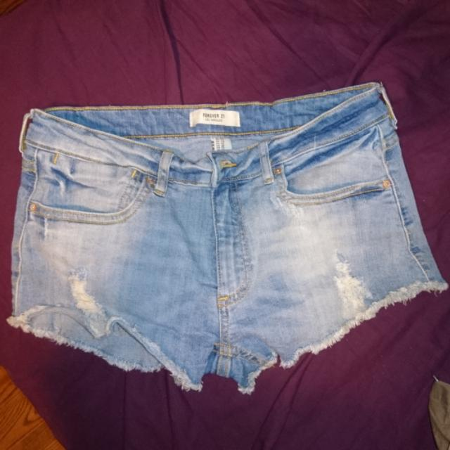 Forever 21 Distressed Shorts (Size 29)