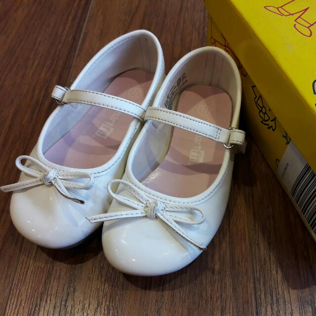 Girls White Ballet Flats Size 7.5 From Payless