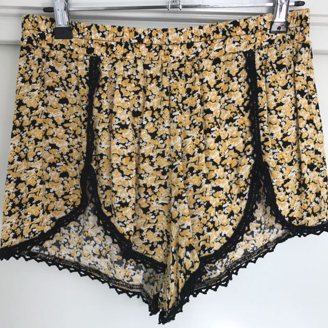 GLASSONS Floral Shorts (Size 8)