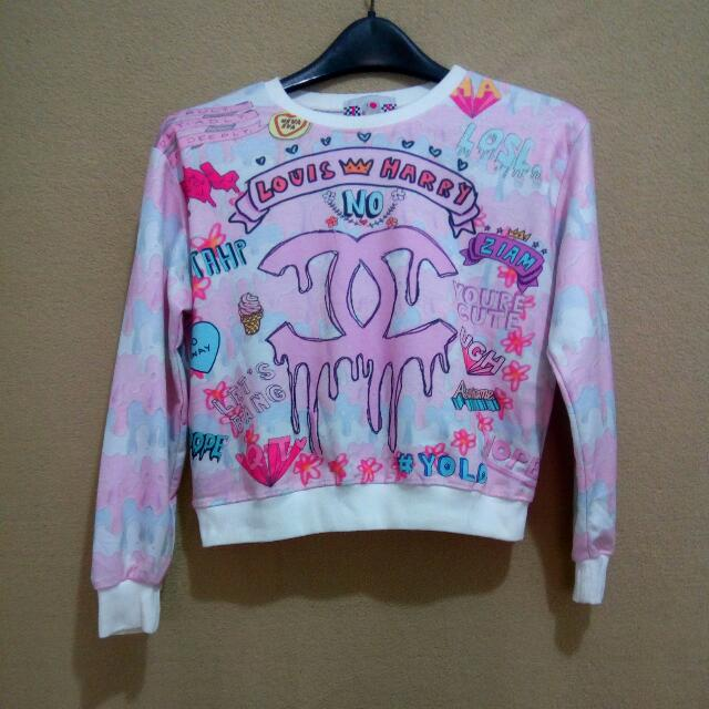 Graphic Crop Top Sweater