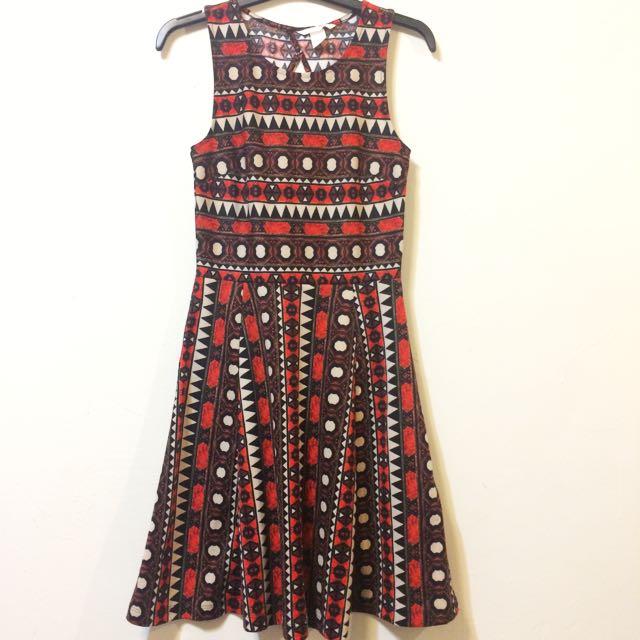 H&M 民族風圖騰洋裝