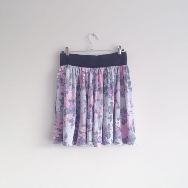 Jay Jays Pastel light grey pink purple floral flowy girly high waisted skirt with black elastic waistband