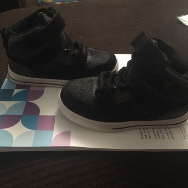 Joe Fresh Shors Size 9 Toddler