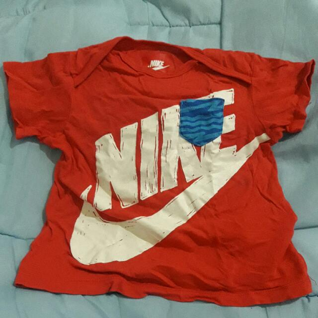 nike shirt 12-18 months on tag