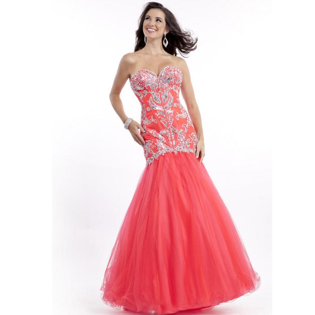 1d9e06bd Famous Designers Evening Gowns – DACC