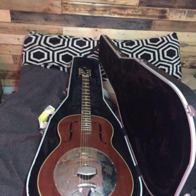 Rogue Triollian Biscuit Cone Guitar