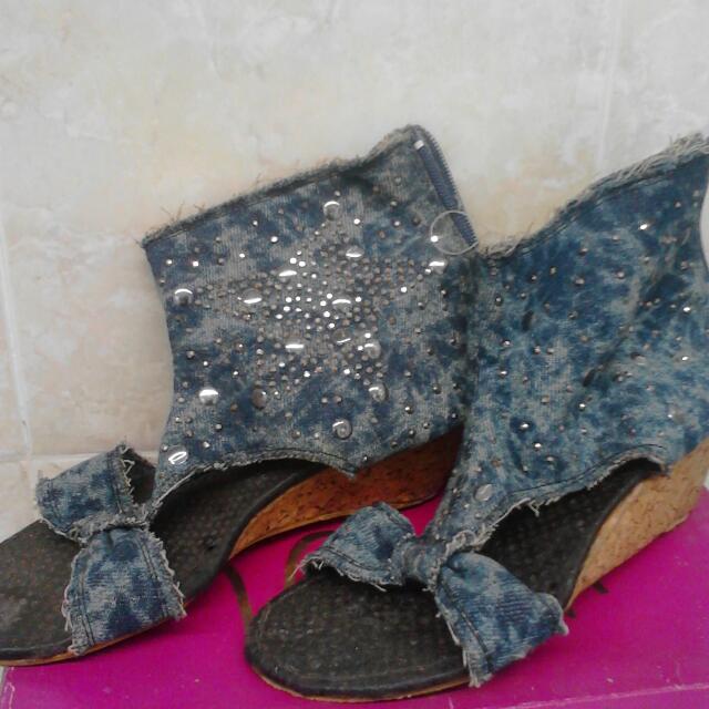 Sandal Sepatu Bahan Levis