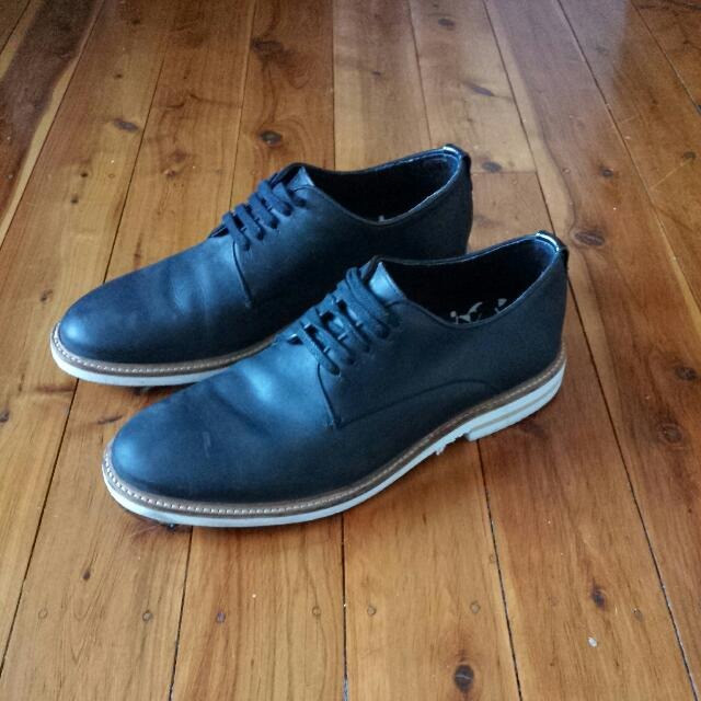 Sz 43 Mens Shoe By TOPMAN