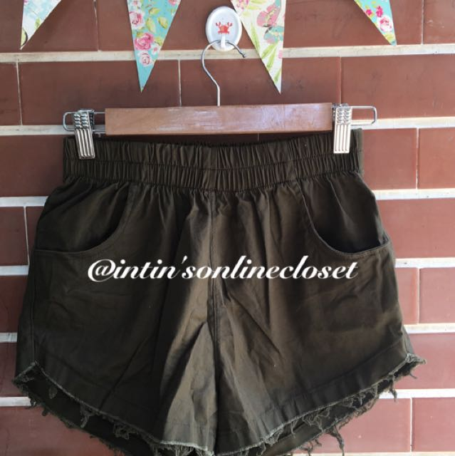Tattered Shorts In Army Green