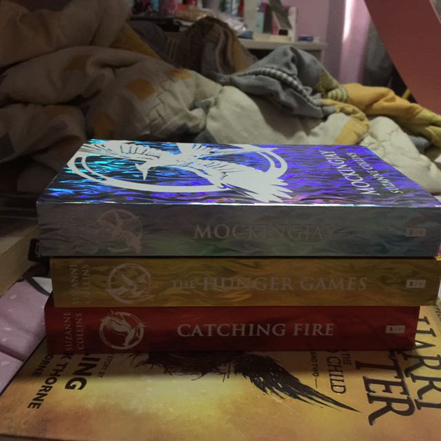 THE HUNGER GAMES 1 SET ENGLISH VERSION #Clearancesale