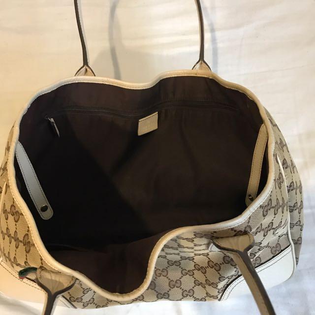 Women's Gucci Shoulder Bag 100% Authentic