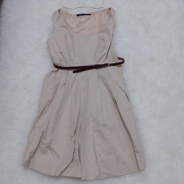 Zara Simple Dress Fit To S