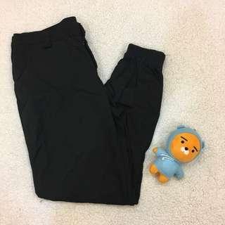 現貨🍑黑色縮口褲
