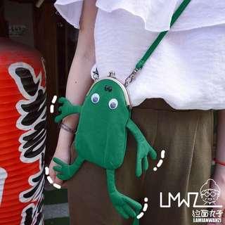 卡通可愛斜挎包動物搞怪日系迷你手機包零錢小包