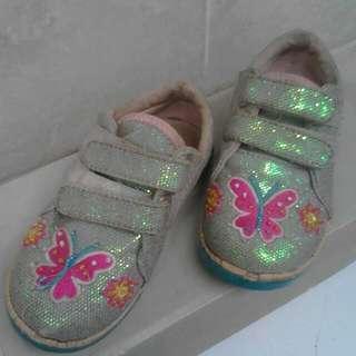 Sepatu Kupu Kupu Bling