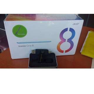 iconia tablet with 8gb usb