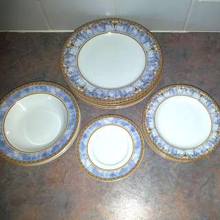 Decorative Dinner Set - 4 Saucers, 4 Small Plates, 4 Large Plates (1 With Small Chip), 3 Bowls