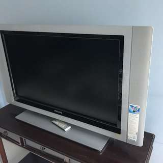 Selling Philip HD LCD TV (Spoilt)