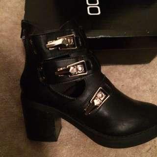Boohoo Hannah Gold Clip Block Heel Boots Size 37/6