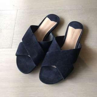Tony Bianco Slides | Size 37