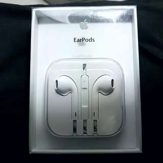 Brand New Original Apple EarPods