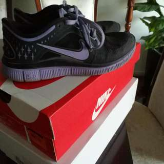 Nike Free Size 6 Black And Purple