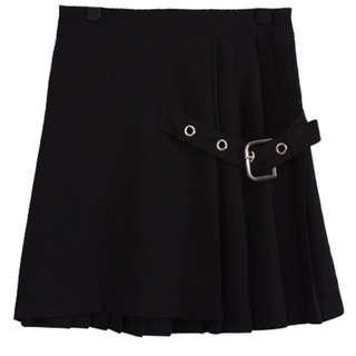 black pleated street style skirt