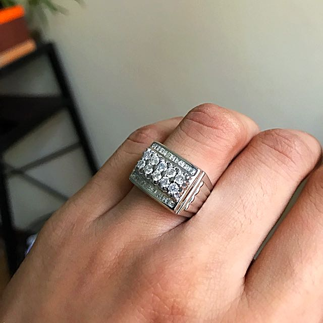 14k White Gold with 10pcs Titus Diamond