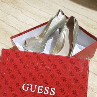 GUESS Ashnery Heels (Gold) Size 6.5/37.5
