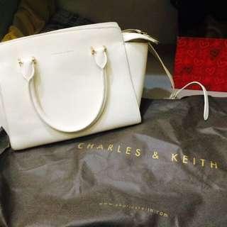 CHARLES&KEITH 斜背包