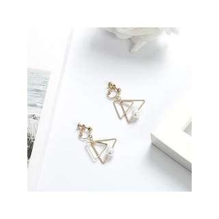 [PO] Triangle w Pearl Clip On Earrings
