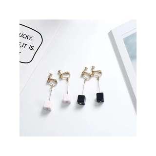[PO] Cube Clip On Earrings