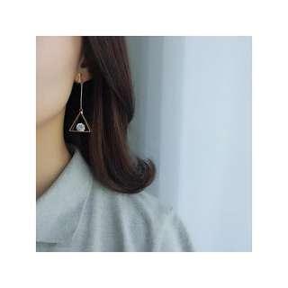 [PO] Triangle Clip On Earrings