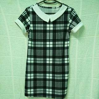 Peterpan  collar checkered dress