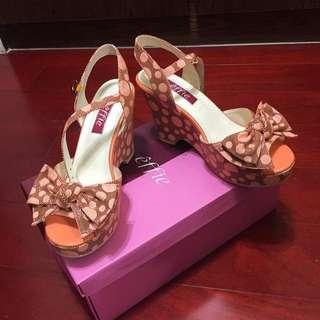 🚚 阿瘦皮鞋Effie系列粉紅圓點高跟(25尺寸