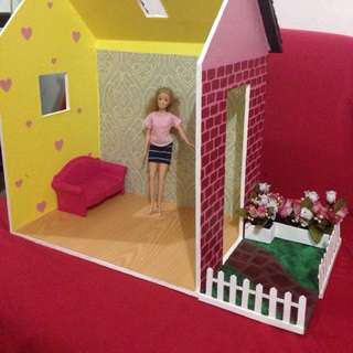 Doll House With Garden