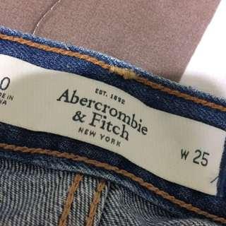 A&F 牛仔短褲 前短後長 顯瘦