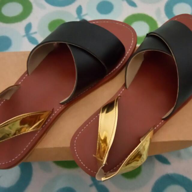 Black flats w/gold strap