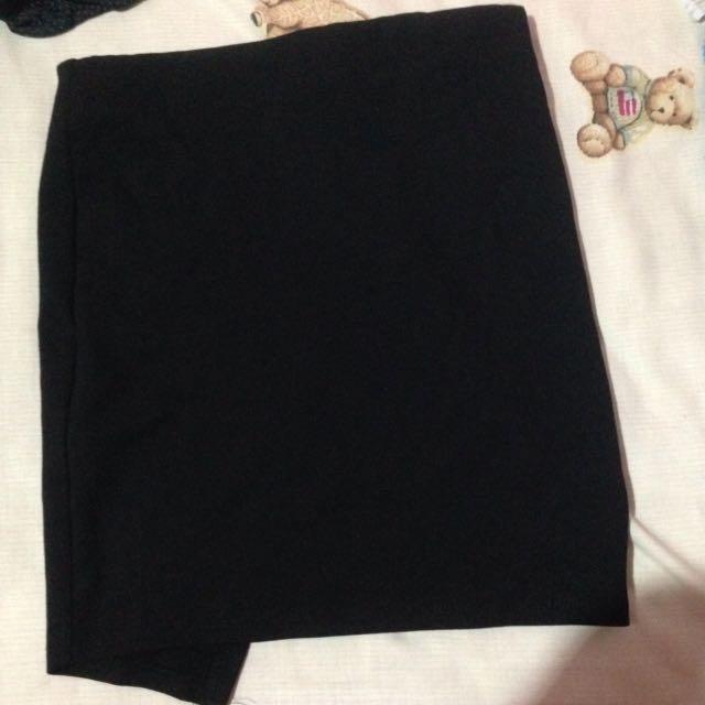 Black Mini Skirt (merk Stradivarius Ori)