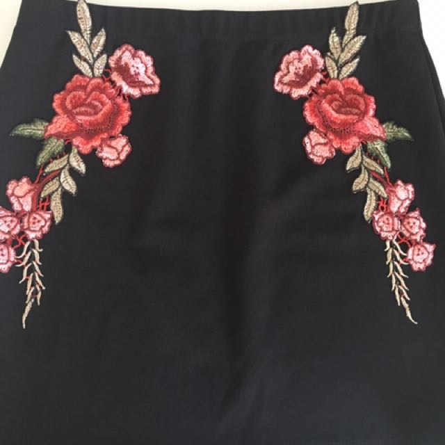 Black Skirt With Floral Embroidery