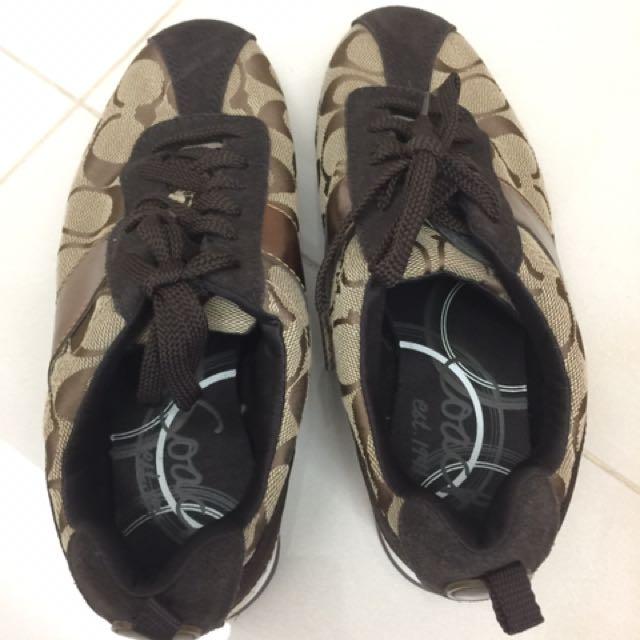 Coach 鞋