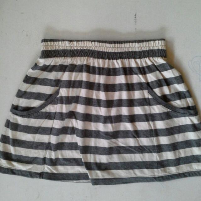 Cotton On Skirt With Front Pocket