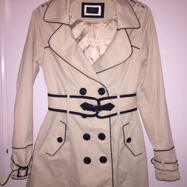 Elegant Off-white Coat