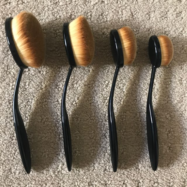 Face Oval Brushes