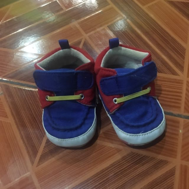 fisher price newborn shoes 0-3 mos